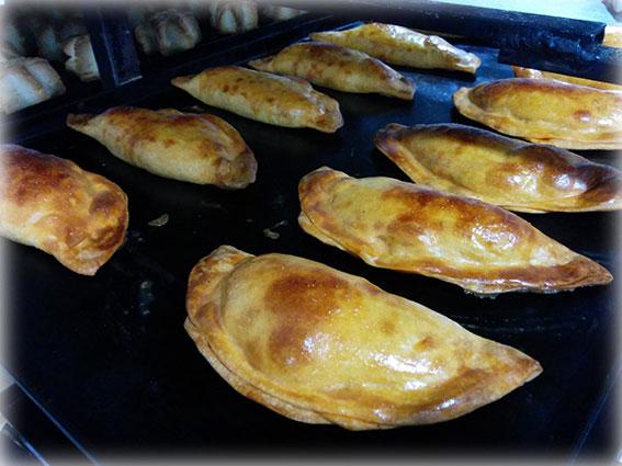 Empanadillas (tomate, atún y huevo)